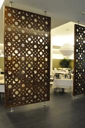 Andaluciart celosias decoraci n moderna arte celosia for Puertas para oficinas precios